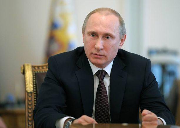 Vladimir Putin unelmoi Neuvostoliiton elvyttämisestä, mutta tunnustanee Ukrainassa realiteetit. Kiova on jo valmis liukumaan liittovaltioksi. Talonvaltauksiin reagoinnissa maltti olisi valttia.
