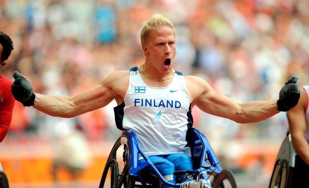 Leo-Pekka Tähti kelasi uuden SE-ajan 800 metrillä.