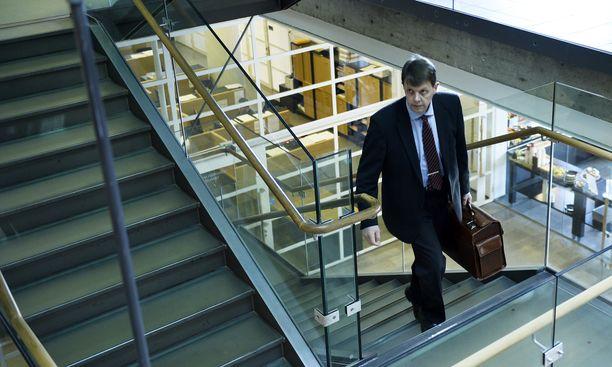Kihlakunnansyyttäjä-tutkinnanjohtaja Jukka Haavisto tuki, neuvoi ja auttoi päätodistajaansa muun muassa useissa henkilökohtaisissa asioissa.