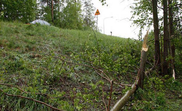 Kaksi nuorta kuoli rajussa ulosajossa Espoossa torstaina.