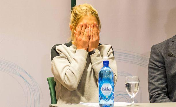 Norjalainen hiihtotähti Therese Johaug piti torstaina tiedotustilaisuuden, kun tieto dopingkärystä oli tullut julki.
