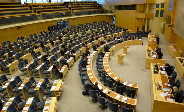 Ruotsin valtiopäivät hylkäsi hallituksen budjettiesityksen.