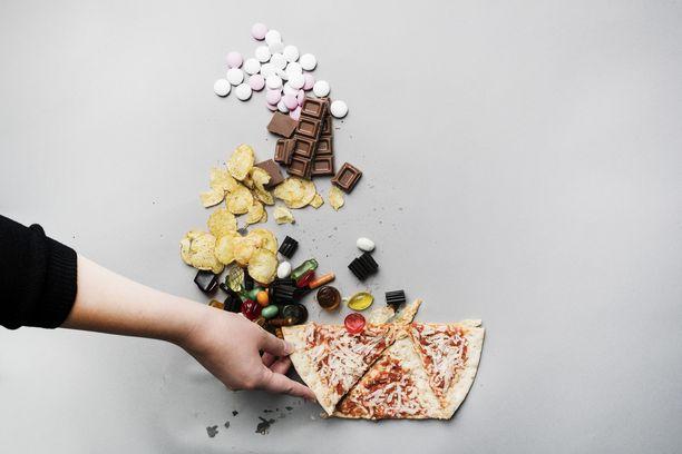 Hallitus selvittää sokeriveron käyttöönottoa.