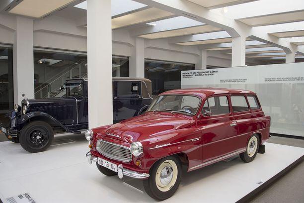 Idän pikajuna. Škoda Octavia Kombi 1964, hevosvoimia 47 ja huippunopeus 115 km/h. Autoa valmistettiin 54 000 kpl vuosina 1961 - 1971.