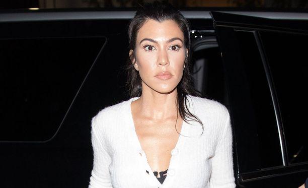 Kourtney Kardashian on tunnettu televisiokasvo.