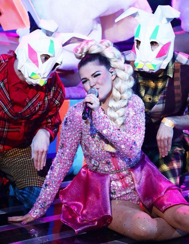 Nicole Scherzinger rakastaa Björkiä - ja Saara Aaltoa.