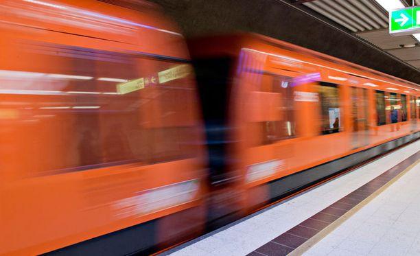 Metroliikenne palautui normaaliksi noin puoli viiden aikaan iltapäivällä.