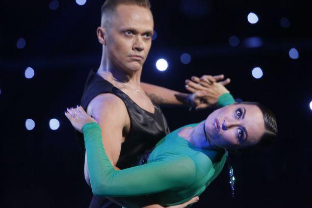 Dramaattisesta tangosta tuli Jaana Pelkosen suosikkitanssi.
