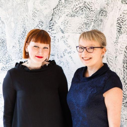 Netin vaaroilla pelottelu tai laitteiden kieltäminen omassa teknologiakammossa eivät ole hyvää kasvatusta, sanovat Satu Irisvik ja Jenni Utriainen.