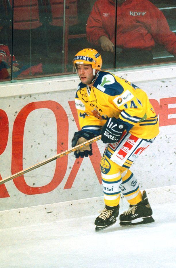 Leonids Tambijevs latoi Rauman Lukossa 26 maalia kaudella 1998-99.
