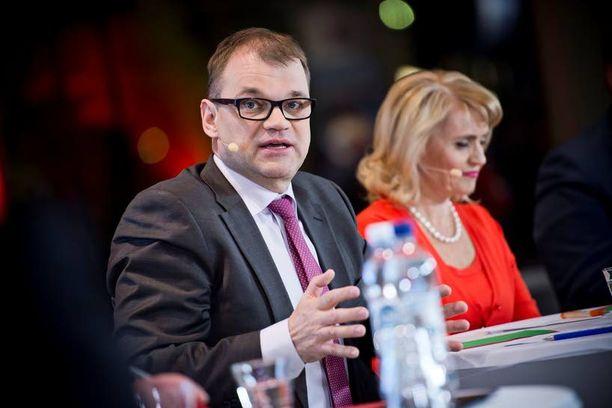 Juha Sipilä (kesk) perui puheensa maakuntaverosta.