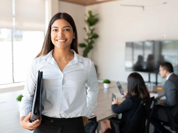 Kuuden maan vertailu osoittaa, että palkka ei ole tärkeintä nuorille ammattilaisille.