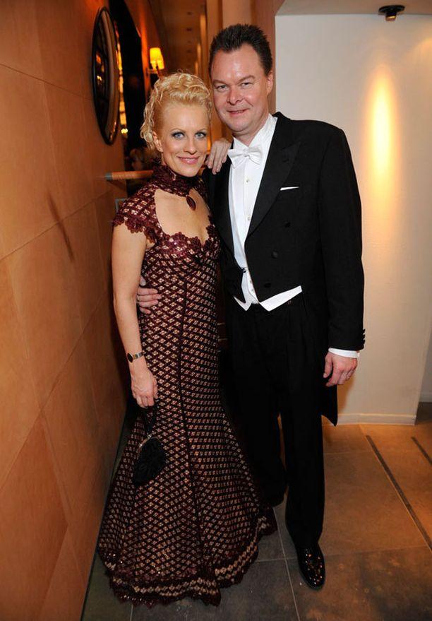 Laura Voutilainen ja hänen miehensä Juha Heikkilä osallistuivat Linnan juhliin neljä vuotta sitten.