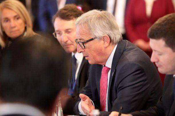 EU selvittää Jean-Claude Junckerin mukaan, koskeeko Trumpin päätös EU-kansalaisia. Arkistokuva.