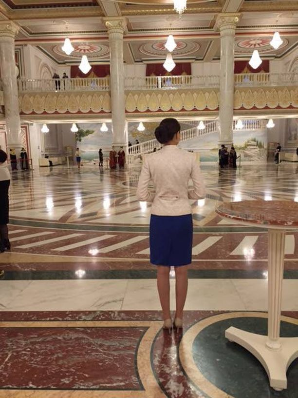 Astanan ooppera on huikea luomus.