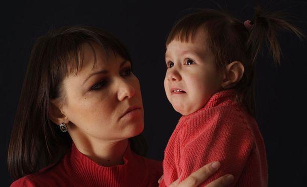 Miltä tuntuu, kun ei rakasta omaa lastaan?