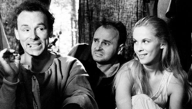 Edesmennyt Ingrid Bergman näyttää taitonsa.