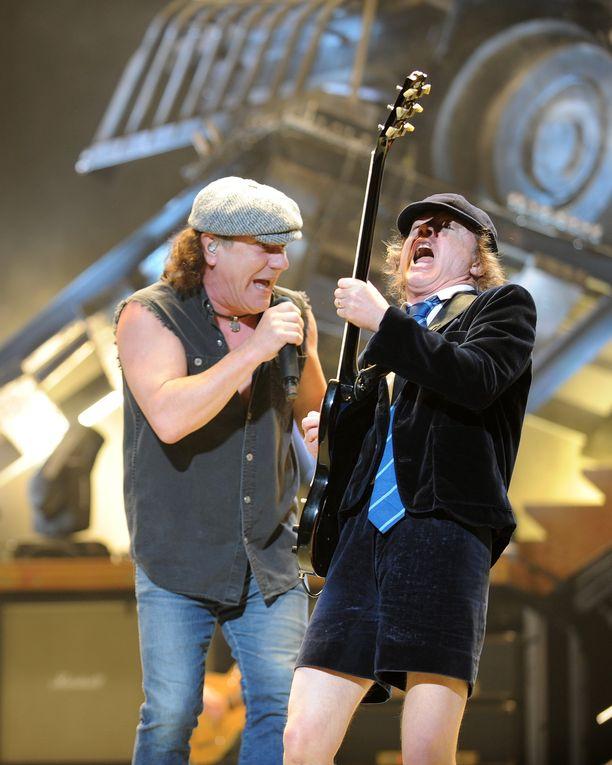 AC/DC julkaisee jo 20. albuminsa. Kuvassa yhtyeen laulaja Brian Johnson (vas.) ja pääkitaristi Angus Young.