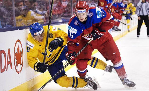 Juniorkronor joutui Venäjän jyräämäksi välierässä.