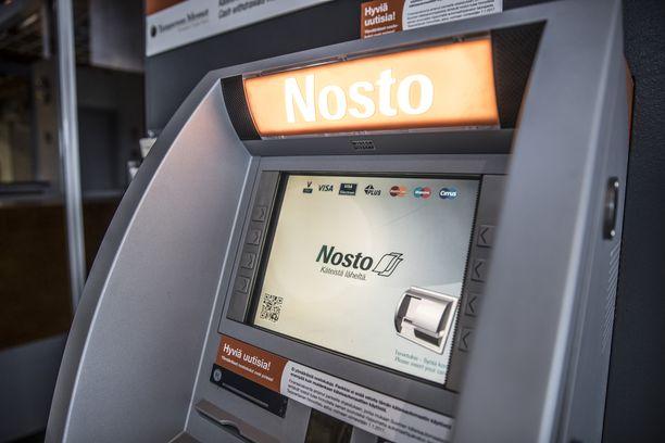 Nosto-automaatin edustajan mukaan palautusten käsittely voi hyvin kestää useamman viikon. Kuvan automaatti ei liity tapaukseen.