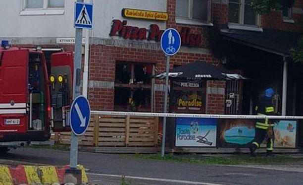 Pizzeriassa oli iskuhetkellä useita asiakkaita.