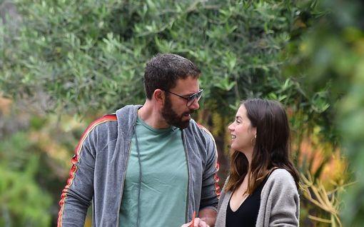 Ben Affleck, 47, löysi uuden rakkauden – Ana, 32, on kuubalainen näyttelijätär: Tuoreet kuvat parista