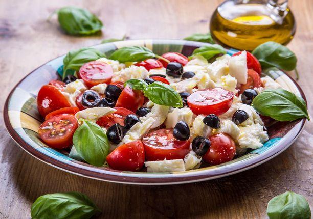 Mosleyn ruokaohjeissa suositaan välimerellisiä aterioita.