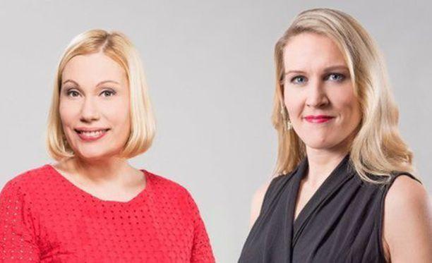Sanna Ukkola (vas.) sanoo, että nimenmuutoksista on tiedotettu avoimesti. Ukkolan juontajaparina nähdään Marja Sannikka (oik.).