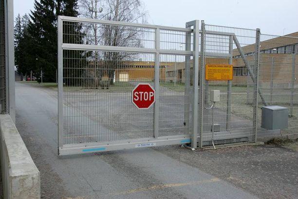 Siirrot Hämeenlinnan vankilan johdossa on todettu osin lainvastaisiksi.