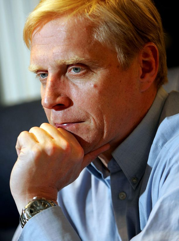 RASKASTA Entinen aitajuoksija Arto Bryggare on avoimesti kertonut miten urheilu-uran lopettaminen otti koville.