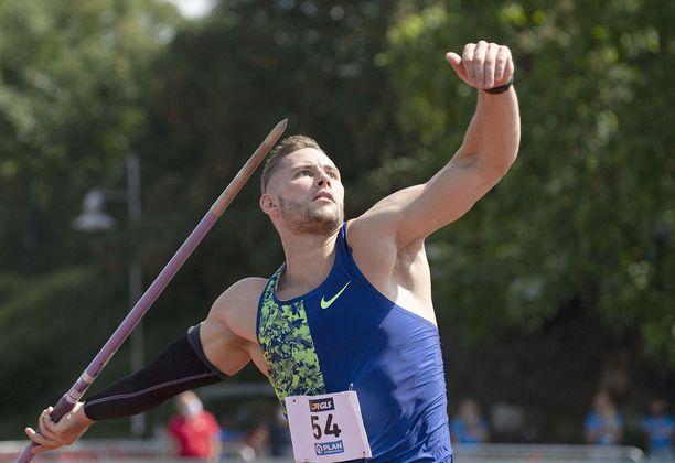 Johannes Vetter kiskaisi 97,76 metrin kaaren.