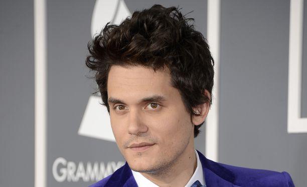 John Mayer joutui vastaamaan intiimeihin seksielämäänsä koskeviin kysymyksiin Instagram-haastattelussa.