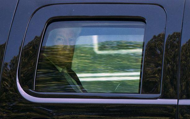 Donald Trump kävi muutaman kerran katsomassa vaimoaan sairaalassa.