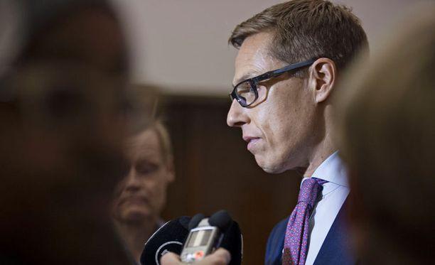 Valtiovarainministeri Alexander Stubbin (kok) mukaan hallitus arvioi lopputulosta torstaina.