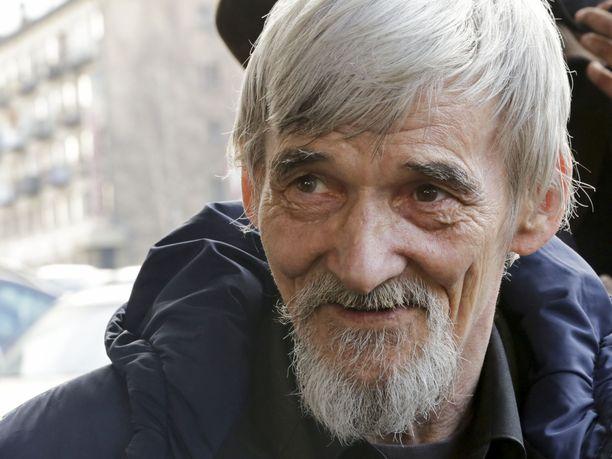 Tukijat väittävät, että Juri Dmitrijevin uskottavuutta historioitsijana yritetään heikentää seksuaalirikossyytteillä.
