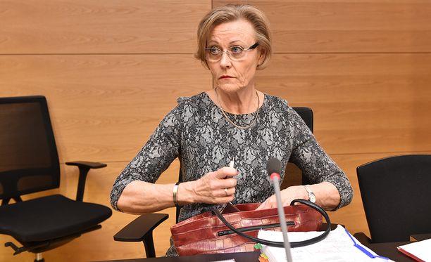 Kihlakunnansyyttäjä Eija Velitski ei suoraan totea, onko käräjäoikeus tehnyt virhepäätelmiä Penttilän vapauttaneessa tuomiossaan.