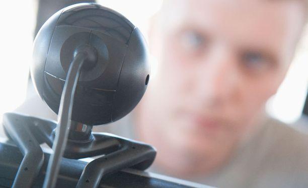 Omat laitteet voi sulkea hyökkäysten ulkopuolelle vaihtamalla niiden oletussalasanan.