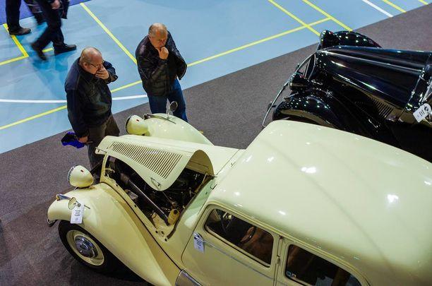 Citroën Traction Avantin muotoiluko se näin mietityttää?