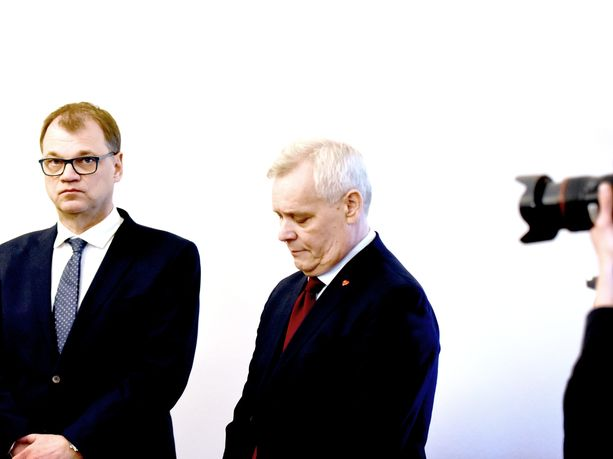 Keskustan puheenjohtaja Juha Sipilä ja SDP:n puheenjohtaja Antti Rinne yrittävät kasata yhteisen hallituksen. Se on keskustan peruskannattajille hankala yhtälö.