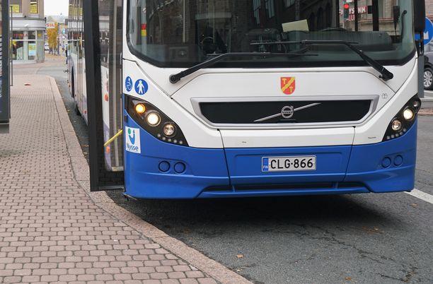 Tampereen kaupunkibussi eli Nysse ei päässyt liikkeelle, koska pummilla kyytiä yrittänyt ei suostunut poistumaan. Kuva ei liity tapaukseen.