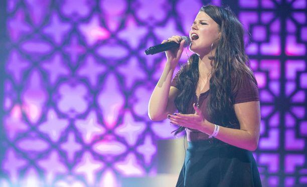 Saara Aalto jatkaa taivaltaan Britannian X Factorissa tänään.