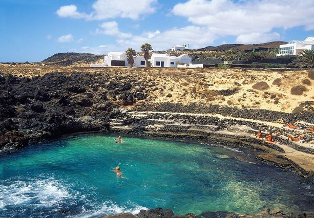 Luonnon muovaava uima-allas Lanzarotella.