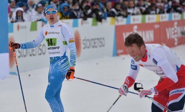 Iivo Niskanen hiihti maaliin pettyneenä.