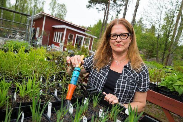 – Uuden hallituksen on pakko alkaa panostaa yrittäjiin ja taata heille sama sosiaaliturva kuin palkansaajilla on, yrittäjä Eija Keckman vaatii.