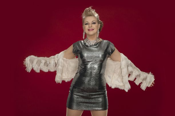 Pandora oli yksi suosituimmista eurodance-artisteista Suomessa 90-luvun alussa. Suosiota tuli ympäri maailmaa. Pandora keikkailee edelleen (normaalioloissa) ahkerasti Suomessa. DJ:nä hänellä on keikoillaan oma puoliso.