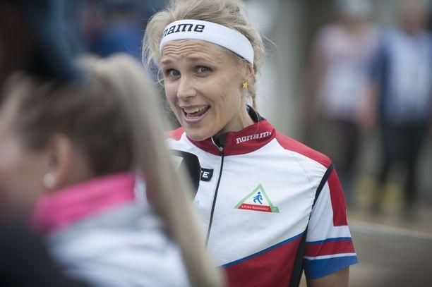Minna Kauppi antoi Venlojen viestin 10. sijan jälkeen tv-haastattelua.