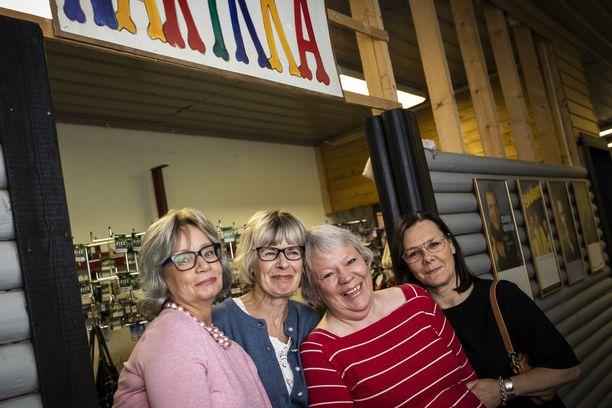 Marita Luoma, Marja-Leena Rosi, Kirsi Aaltonen ja Hannele Binios ovat fanittaneet Siltsua vuosien ajan.