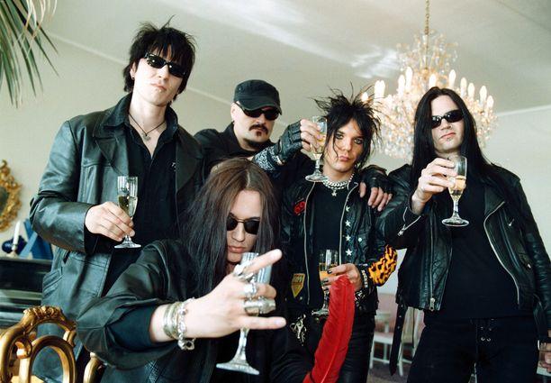 Kuvassa The 69Eyes-yhtye vuonna 1999.