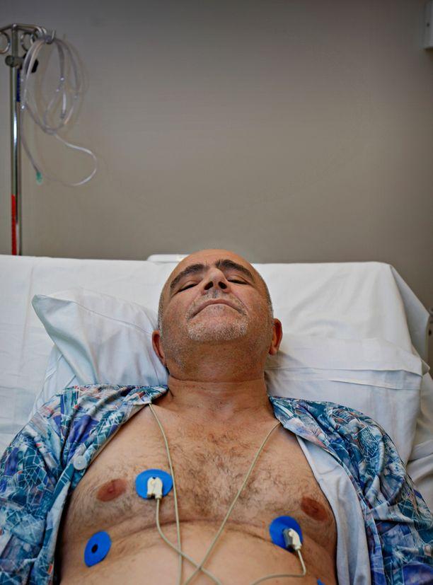 Äänekoskelainen Hamit Kara sai sydäninfarktin, mutta hänet toimitettiin Äänekosken terveyskeskuksen sairaalasta kotiin. Myöhemmin samana yönä Hamit Kara kiidätettiin Keski-Suomen Keskussairaalaan pallolaajennukseen.