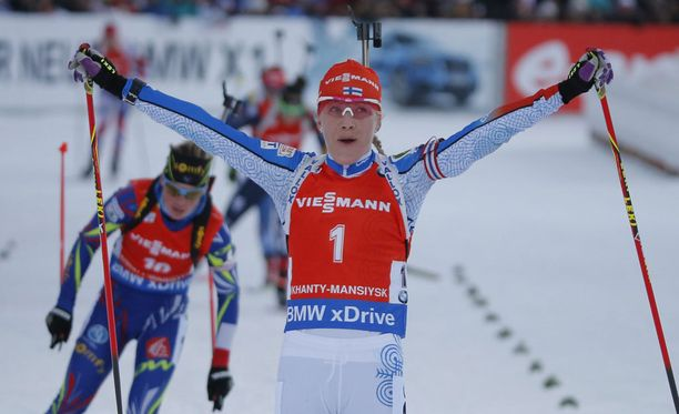 Kaisa Mäkäräinen pääsi tuulettamaan Venäjällä toista peräkkäistä voittoa.